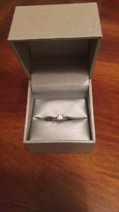 18 k white gold princess cut diamond ring