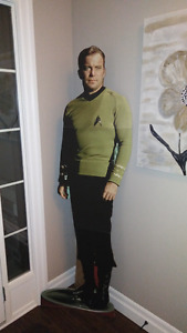 CAPTAIN KIRK - STAR TREK CARDBOARD CUTOUT - 6 FEET