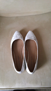 Size 8 1/2 Pointed Flats