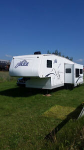 5th Wheel Trailer Jazz by Thore **Price Reduced**