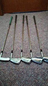 LADIES. GOLF CLUBS & BAG Belleville Belleville Area image 4