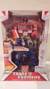 Transformers Optimus prime and trailer Kitchener / Waterloo Kitchener Area image 1
