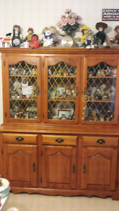 HUTCH CABINET FOR SALE !!!!