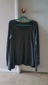 Lululemon long-sleeved shirt - size 6