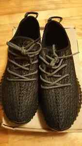 YEEZY350 BLACK SIZE9.5 West Island Greater Montréal image 1