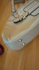 New Beige Comfortable Bag - for sale ! Kitchener / Waterloo Kitchener Area image 4