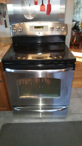 GE FLAT TOP STOVE AND CONVECTION OVEN