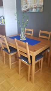 Ikea dining table, 4 chairs & grey chair pads - Ingo/Ivar