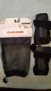 "Wrist guards ""Dakine"" size Medium"