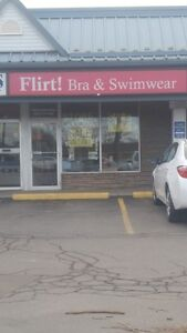 Office/Retail Space for Lease in Niagara Falls