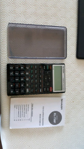 Calculatrice financiers Sharp EL-738F