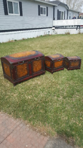 DECORATIVE STEAMER TYPE TRUNKS