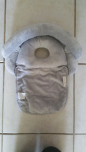 Pottery Barn Boppy head support