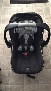 Britax b safe bucket seat and TWO bases