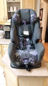 Safety 1st      Rear/Front Facing Car Seat