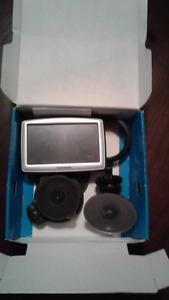 GPS TomTom xl 330 with stands
