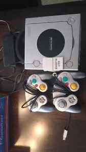 Gamecube 2 manettes metroid prime
