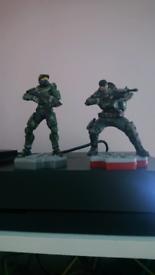 Totaku gears of war and halo mini figures