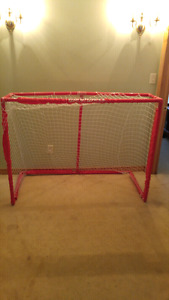 Plastic hockey net