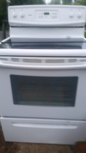 like new kenmore glasstop stove in excellent condition $250 or b