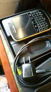 Blackberry Bold 9900  with Telus for sale