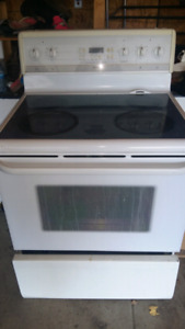 Frigidaire gallery model self cleaning oven stove ceramic top