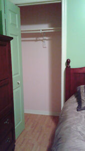 Room for rent, shared house Cornwall Ontario image 3