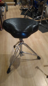 Banc bicycle 25$,  Floor tom 25$, Pied snare WFL 35$, Tom 10$...