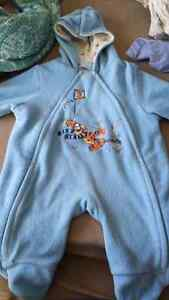 Thin baby suit. Great for carseat!