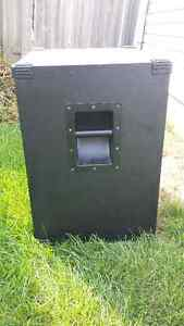 "1x15"" Bass Cabinet London Ontario image 5"