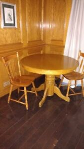 Solid Oak Circular Pedistal Table and Four Chairs