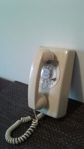 VINTAGE: 1970's Northern Telecom Rotary Dial Wall Telephone Windsor Region Ontario image 2