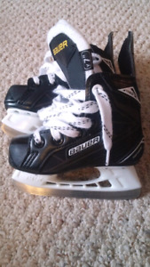 Bauer Supreme S140 Youth Skates Size 7