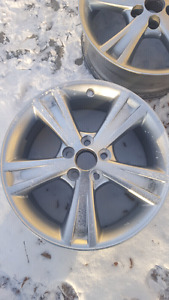Lexus 18 inch 5x114.3 et35 5 spoke wheels
