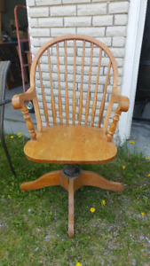 SOLID WOODEN DESK CHAIR