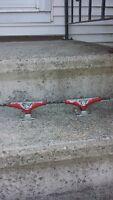 skateboard red thunder trucks
