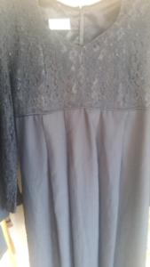 BLACK MATERNITY AFTER 5 DRESS. SIZE 10.