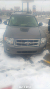 2010 Ford Escape *Damaged*