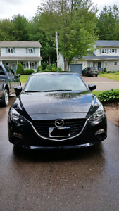 2014 Mazda 3 GS Sedan in excellent overall condition w/low km!