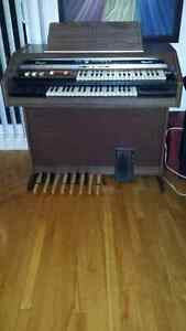 Thomas electric organ (Falcon 1135) West Island Greater Montréal image 4