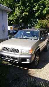 2001 Nissan Pathfinder SUV, Crossover