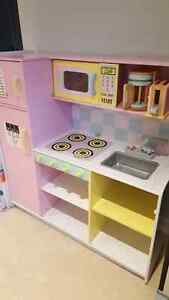 Kidcraft kitchen set perfect xmas gift Oakville / Halton Region Toronto (GTA) image 1