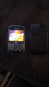 UNLOCKED Blackberry bold touch 9900