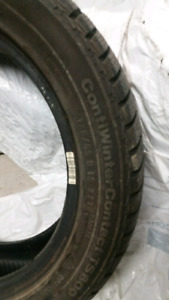 Winter Tires/Pneus 175/55r15 PRESQUE NEUFS