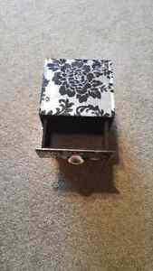 Jewellery box with drawers Kitchener / Waterloo Kitchener Area image 2