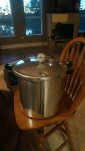 Canning pressure cooker