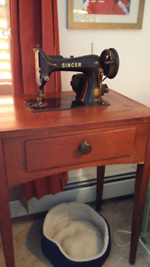 Singer Sewing Machine in Cabinet 1940's