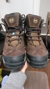 Mens 7.5 Used Timberland workboots (non metallic work boots)