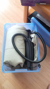 Double air mattress with pump
