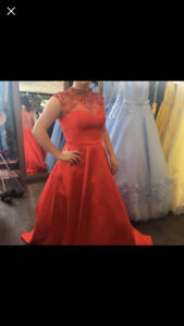 Size 12 prom dress never worn